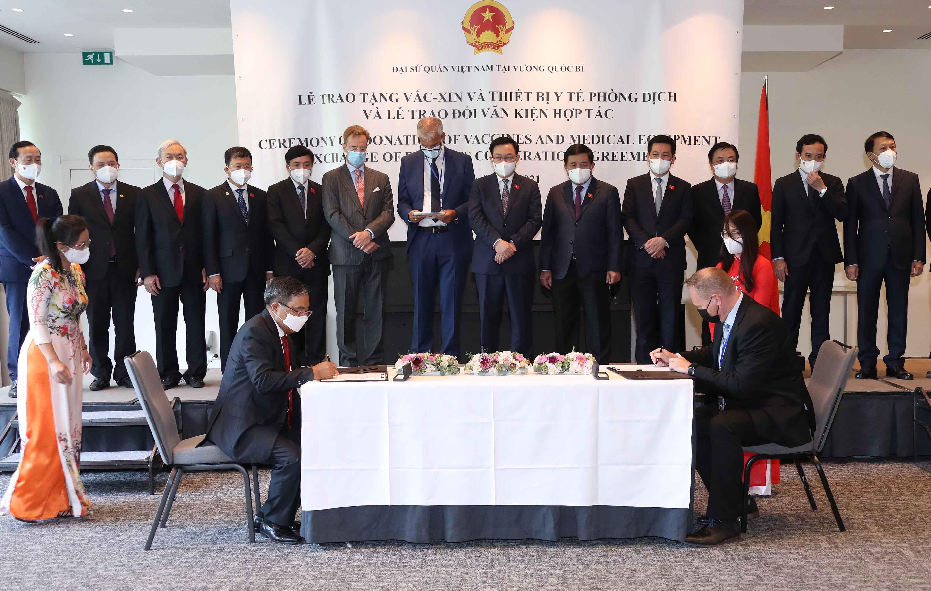 Chuyến đi mang về hàng chục tỉ USD và tầm nhìn chiến lược của Chủ tịch Quốc hội Vương Đình Huệ - Ảnh 9