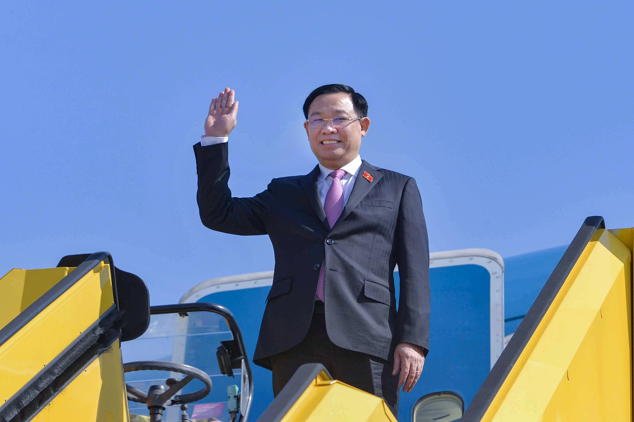 Chuyến đi mang về hàng chục tỉ USD và tầm nhìn chiến lược của Chủ tịch Quốc hội Vương Đình Huệ - Ảnh 2